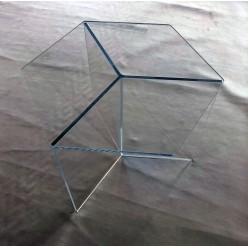 Plexisklový stolek - tvar šestiúhelníku